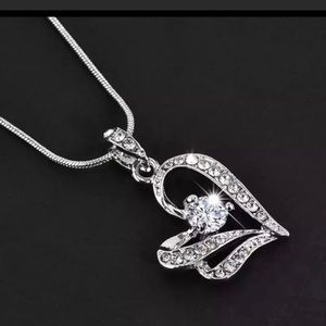 ⭐️NEW⭐️Stunning Heart and Crystal Pendant Necklace